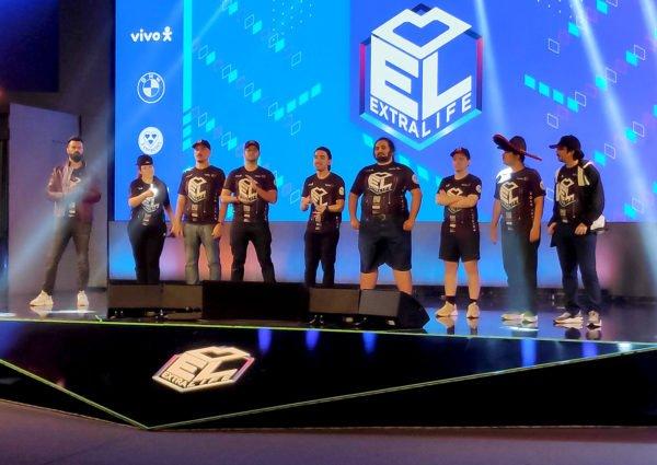 Affonso Solano Malena Gaveta Montalvao Speedrunners no palco do extralife-2020