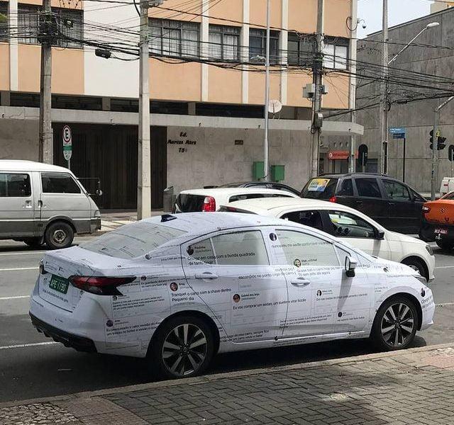 """Diogo Braga em ação """"curiosa"""" para o novo Nissan Versa"""