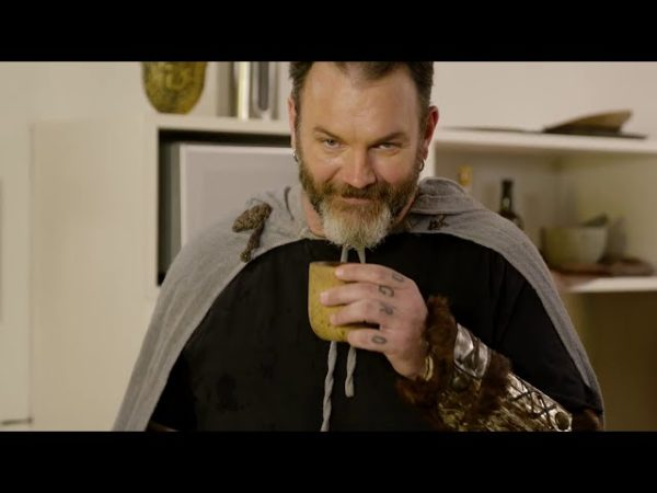 Jimmy McManis vira chef viking para Ubisoft em Assassins Creed Valhalla
